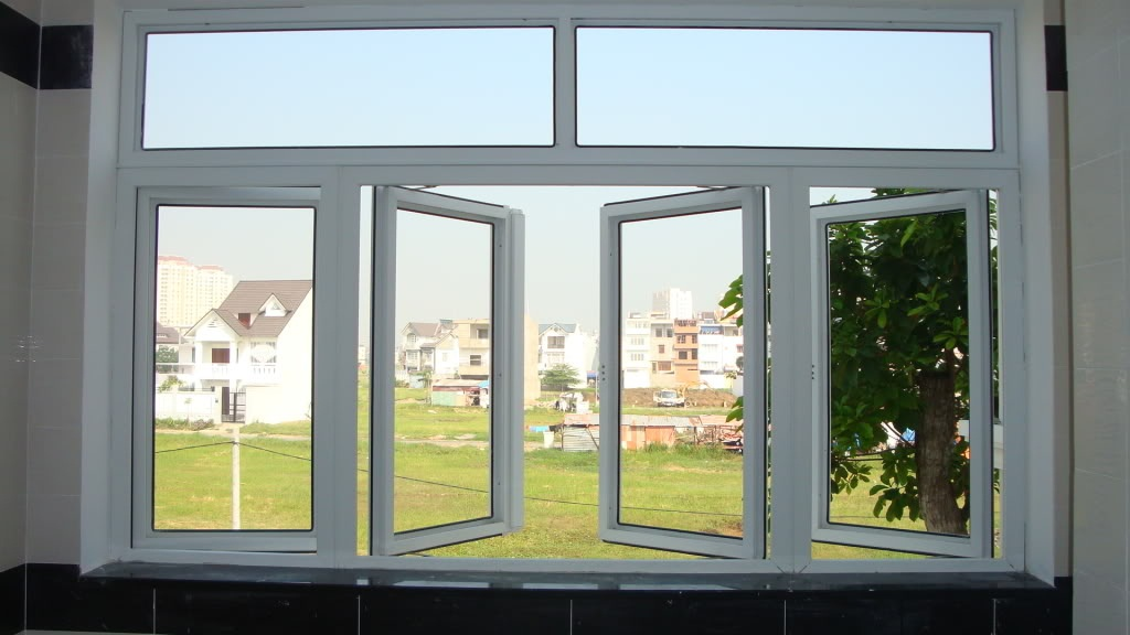 Lắp đặt cửa sổ nhựa lõi thép an toàn bền đẹp.