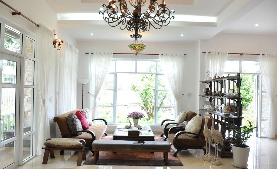 Thiết kế cửa nhựa lõi thép đẹp cho phòng khách nhà gạch mộc 3