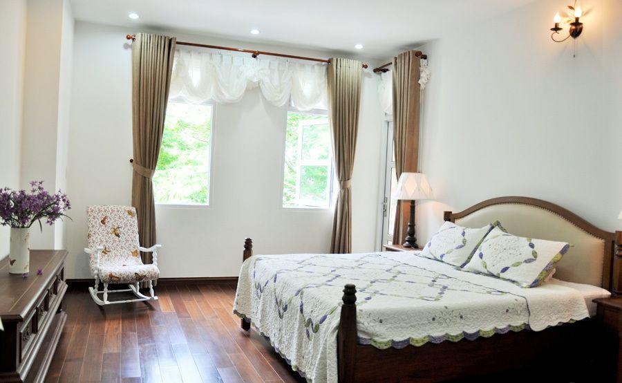 Thiết kế cửa nhựa lõi thép đẹp cho phòng ngủ nhà gạch mộc