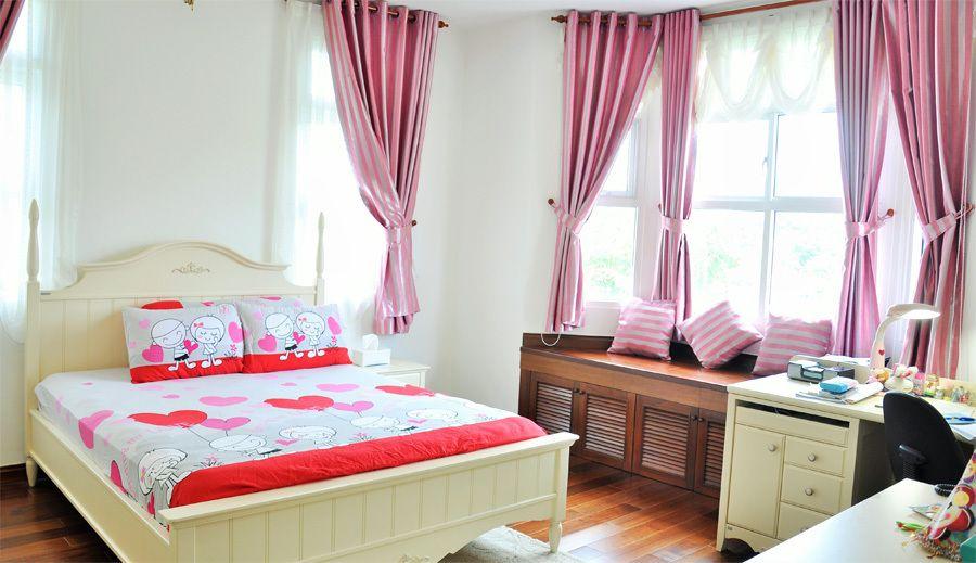 Thiết kế cửa nhựa lõi thép đẹp cho phòng ngủ con gái nhà gạch mộc