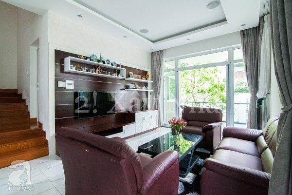 Phòng khách ẹp lung linh và gần gũi thiên nhiên với cửa nhựa lõi thép 3a window