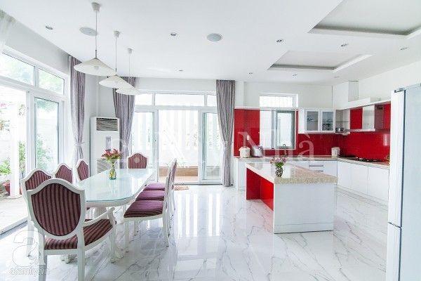 Phòng ăn, nhà bếp ẹp lung linh và gần gũi thiên nhiên với cửa nhựa lõi thép 3a window