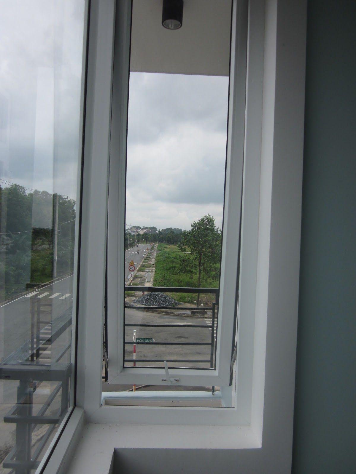 Cửa sổ 3a window mở hất ra ban công