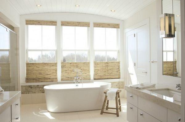 Che phủ cửa sổ bằng rèm dệt không vừa giúp khắc phục nhược điểm của cửa sổ cao, vừa đẹp mắt.