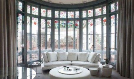 Bàn tròn có dùng để hóa giải dòng khí xung chiếu vào nhà
