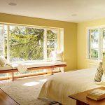 góc đọc sách và thư giãn đẹp lãng mạn bên cửa sổ