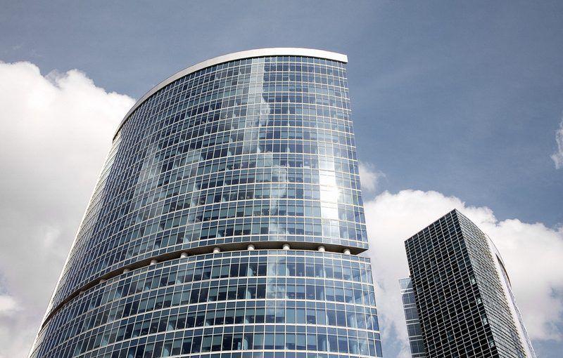 kinh nghiệm chọn kính cường lực cho tòa cao ốc.