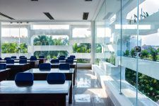 mẫu cửa kính đẹp, an toàn và sang trọng cho văn phòng